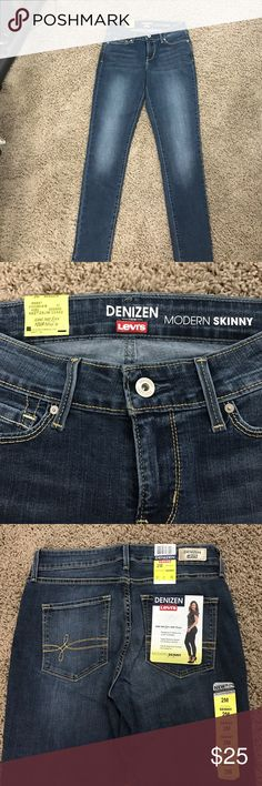 NWT Denizen Levi's 2M NWT Denizen Levi Modern Skinny jeans. Essential stretch, lifts and hugs your curves, super stretchy denim for all day comfort. Size 2M Denizen from Levis Pants Skinny