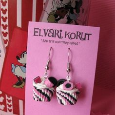 I love these candy earrings :) Elvari Korut is busy making candy to wear and not to eat ;)