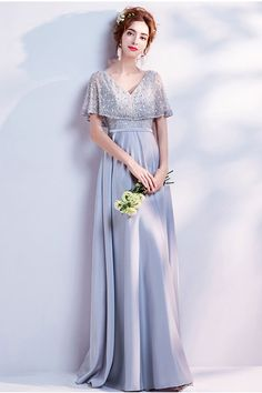 Robe argentée pour cortège mariage décolleté v manche cape en dentelle pailletée - Persun.fr Prom Dresses For Teens, Long Bridesmaid Dresses, Bride Dresses, Mothers Dresses, Wedding Dresses, Evening Dresses Online, Long Evening Gowns, Evening Party, Grey Blue Dress