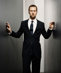 Edward Norton... Awesome suit and great actor (plus he's attractive lol).