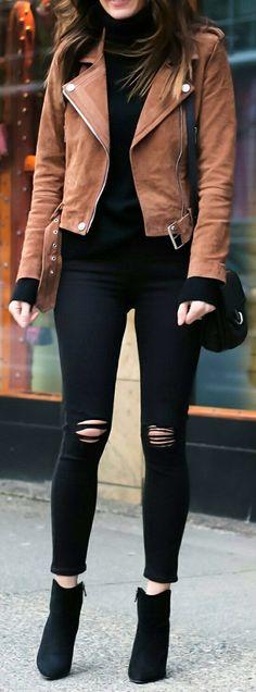 Cute spring outfits /  Brown Jacket / Black Ripped Skinny Jeans / Black Suede Booties