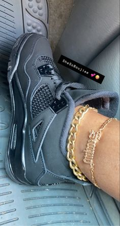 Cute Sneakers, Shoes Sneakers, Shoes Heels, Jordan Shoes Girls, Girls Shoes, Sneaker Heels, Sneaker Outfits, Nike Air Shoes, Hype Shoes