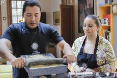 Truly a hands-on and authentic cooking experience in the heart of Mexico City. Casa Jacaranda, el gusto de cocinar entre amigos | Tomate Blog