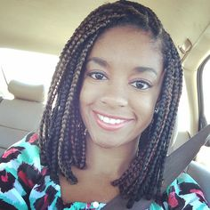 Short colored box braids, natural, protective style