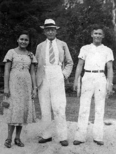 Ang Pamilya van Hoven: (L-R) Busia, Carl (with a spiffy buntal hat) and Bemboy, 1930s. #kasaysayan