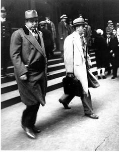 Al Capone looks at the camera as he walks out of Federal Court in Chicago with his attorney Michael Ahern. Capone is on trial for tax evasion Ref Date: Real Gangster, Mafia Gangster, Gangster Style, Al Capone, Chicago Outfit, Historical Quotes, Kind Words, The Life, Vintage Photos
