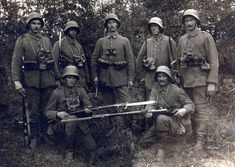 Lost in the Trenches — Model 1917 Lederschutzmaske (di drakegoodman) World War One, First World, Ww1 Soldiers, Black Watches, German Uniforms, Prussia, German Army, Modern Warfare, War Machine