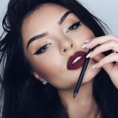 """""""Editorial Close up of the @hudabeauty lip contour in famous it is a nice dark plum! More details coming! ☺️❤️ #hudabeauty #shophudabeauty #makeup…"""" Glam Makeup, Skin Makeup, Insta Makeup, Makeup Cosmetics, Beauty Makeup, Beauty Bar, Kat Von D, Lip Contouring, Perfect Eyebrows"""