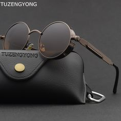 GET amazing steampunk vintage men round sunglasses at GLAM CIRCLE. You will find all kind of round steampunk sunglasses for men & women at best price. Types Of Sunglasses, Sunglasses Online, Polarized Sunglasses, Round Sunglasses, Mens Sunglasses, Celebrity Sunglasses, Super Moda, Lunette Style, Menswear