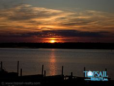 Los Tres Tesoroes - Complimentary sunsets over the sound...
