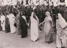 Women protesting British Imperialism in India, 1930
