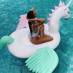 Image about girl in wakacje by Summer Pool, Summer Beach, Enjoy Summer, Summer Vibes, Pool Picture, Pool Photo, Pool Floats, Summer Pictures, Beach Photos