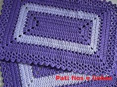 this pin was discovered by Crochet Mat, Crochet Carpet, Crochet Ripple, Crochet Squares, Crochet Home, Crochet Doilies, Free Crochet, Crochet Placemat Patterns, Crochet Stitches Patterns
