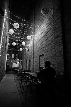 ☾ Midnight Dreams ☽ dreamy dramatic black and white photography - Tips for the aspiring street photographer