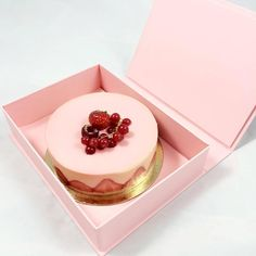 """maringyu: """" ig: c. Cute Desserts, Delicious Desserts, Dessert Recipes, Yummy Food, Pretty Cakes, Cute Cakes, Patisserie Fine, Kawaii Cooking, Just Eat It"""