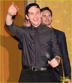 Robin Lord Taylor and Cory Michael Smith