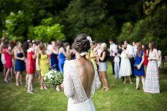 Jak warto ubrać się na ślub i wesele jako gość? Propozycje dla pań - Przeczytasz w: < 1 minutaPrzeczytasz w: < 1 minuta  - https://www.slubi.pl/blog/jak-warto-ubrac-sie-na-slub-i-wesele-jako-gosc-propozycje-dla-pan/