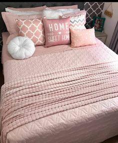 Cool Teen Bedrooms, Cool Rooms, Girls Bedroom, Grey Room, Pink Room, Bedroom Seating, Bedroom Decor, Tumblr Room Decor, Cute Bedroom Ideas