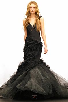 Vera Wang Spring 2012. Can I go to the Oscars next just to wear this? Pretty please?