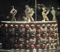 The crown of a local Nubian king who ruled between the collapse of the Meroitic dynasty in 350 or 400 AD and the founding of the Christian kingdom of Nubia in 600 AD. It was found in Tomb 118 at Ballana in Lower Nubia by the British Egyptologist W.B. Emery
