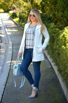 STYLE IT!  Cool Blue is for #SPRING!  Blogger Danielle Cheever lookin' Oh So Casual Chic w/ CAbi's Foldover Collar Jacket & Mix Print Tunic & accessorized w/fab bag & strappy heels!  #CAbiClothing #OOTD www.CaronMcMahon.cabionline.com