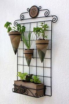 Resultado de imagem para jardim vertical ferro galvanizado