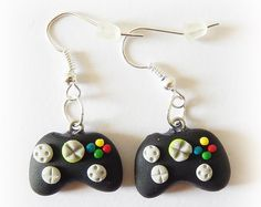 Girl Gamer Gifts Videogame Earrings Clay Jewellery Geek Jewelry Geek Gifts Gift For Gamers Gee Geek Jewelry, Cute Jewelry, Charm Jewelry, Polymer Clay Charms, Polymer Clay Earrings, Clay Keychain, Craft Accessories, Cute Earrings, Geek Gifts