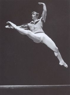 View Rudolf Nurejew Gala Stuttgart by Hannes Kilian on artnet. Browse upcoming and past auction lots by Hannes Kilian. Rudolf Nurejew, Dance Magazine, Mikhail Baryshnikov, Nureyev, Professional Dancers, Dance Quotes, Ballet Beautiful, Lets Dance, Dance Pictures