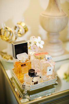 Como organizar perfumes                                                                                                                                                                                 Mais