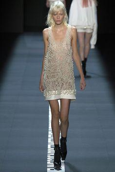 Vera Wang Spring 2017 Ready-to-Wear Fashion Show - Marjan Jonkman