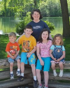 Single mom of 2 sets of twins- her amazing story and tips for single parents.