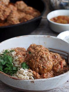 Indiske kjøttboller i spicy saus - Mat På Bordet Garam Masala, Tex Mex, Spicy, Mad, Curry, Pizza, Beef, Ethnic Recipes, Cilantro