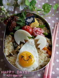 Cracking Egg Kyaraben Bento by Chi-mama