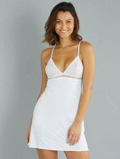 Combinación de microfibra y encaje elástico                                                     blanco Lencería de la s a la xxl  - Kiabi  18€ Camisole Top, White Dress, Tank Tops, Dresses, Women, Fashion, Stretch Lace, Glamour, White People