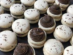 Oreos, Macaroons, Mini Cupcakes, Cheesecake, Baking, Desserts, Macaroni Pasta, Cheesecake Cake, Bread Making