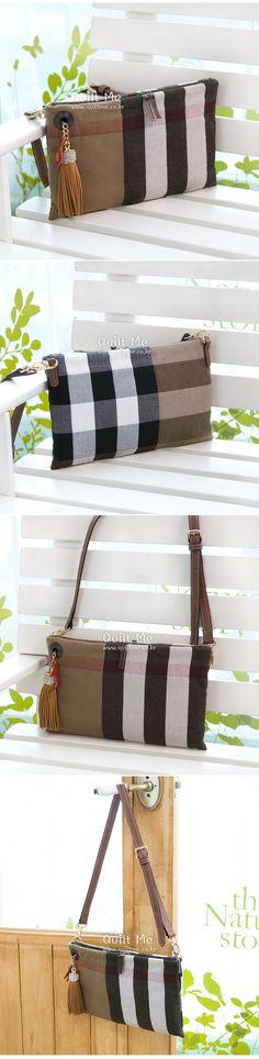 [버버리 럭셔리 태슬장식 숄더백] Quilted Bag, Gym Bag, Burberry, Sewing Projects, Quilts, Purses, Leather, Bags, Bag Design