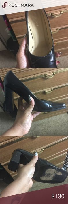 Gucci chunk heels Run. Skip, and walk in these comfortable Gucci shoes! 🤸‍♂️🍷👡 okay, don't run lol but definitely be comfy in these lovely leather Gucci beauties. Has wear obviously on the bottom of the heel but overall excellent quality and condition. Wear them well👍🏻 Gucci Shoes Heels