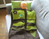 Défi Décembre :Couverture bébé en pistache et chocolat tricotée main : Puériculture par vacri