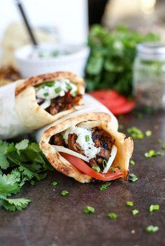 Vegan Jackfruit & Mushroom Gyros with Tzatziki - http://ilovevegan.com