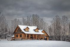LOVE this log cabin, just what I would want!