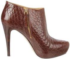 Amazon.com: Nine West Women's Raiger Platform Boot: Shoes/Dorothy Johnson