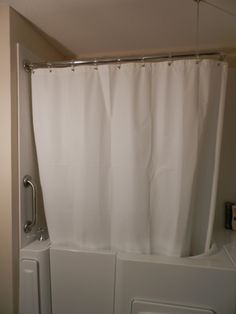 Escape Plus Walk In Tub With 3 Wall Surround Showing Closed Shower Curtain On L Shaped Rod Www Aquure