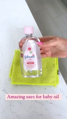 Diy Home Cleaning, Household Cleaning Tips, House Cleaning Tips, Diy Cleaning Products, Cleaning Solutions, Cleaning Hacks, Cleaning Supplies, Baby Oil Uses, Spring Cleaning Checklist