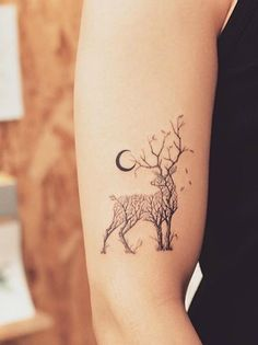 Black-Moon-And-Tree-Themed-Deer-Tattoo-Arm.jpg 550×735 pixelů