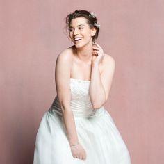 Welche Brautkleider schmeicheln Frauen mit Kurven? Wir zeigen die schönsten Hochzeitskleider für Plus-Size-Größen >>
