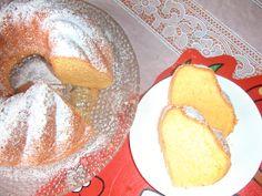 žloutky utřeme s cukrem, přidáme olej, znovu třeme, pak pudink s práškem do pečiva a nakonec sníh  z bílků,nalijeme do vymazané a vysypané formy... Pancakes, French Toast, Keto, Bread, Cheese, Breakfast, Ethnic Recipes, Food, Morning Coffee
