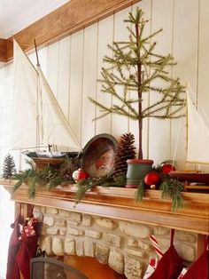 50 Gorgeous Holiday Mantel Decorating Ideas | Midwest Living