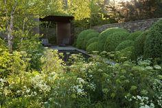 Tom Stuart-Smith's 2008 Chelsea garden Landscape Architecture, Landscape Design, Garden Design, Chelsea Flower Show, Tom Stuart Smith, Smith Gardens, Chelsea Garden, London Garden, Garden Structures
