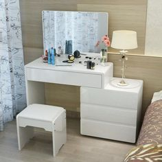 Dressing Table Modern, Dressing Table Design, Mirrored Bedroom Furniture, Home Furniture, Flat Interior, Interior Design, Study Room Design, Paint Colors For Living Room, Home Decor Bedroom