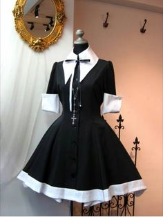 Very cute (without the cross) Pretty Outfits, Pretty Dresses, Beautiful Outfits, Cool Outfits, Kawaii Fashion, Lolita Fashion, Cute Fashion, Cosplay Outfits, Dress Outfits